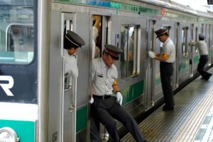 Surprising Curiosities About Japan's Train Systems